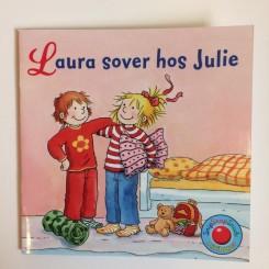 Minibog - Laura sover hos Julie