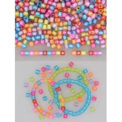 Perler i plast med alfabet og tal, farvet, 6x6mm
