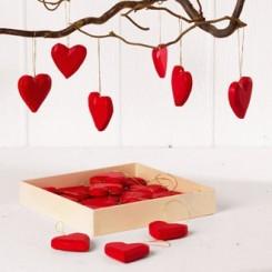 Røde hjerter i træ m. snor, 24 stk.