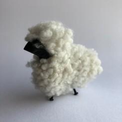 Anne Beate Design, Får med ægte lammeskind