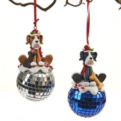 Hund, på disko-kugle, fimo ler, med snor - 10 cm.